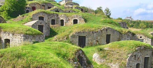 Pietragalla, l'antico villaggio ricoperto dal manto erboso!